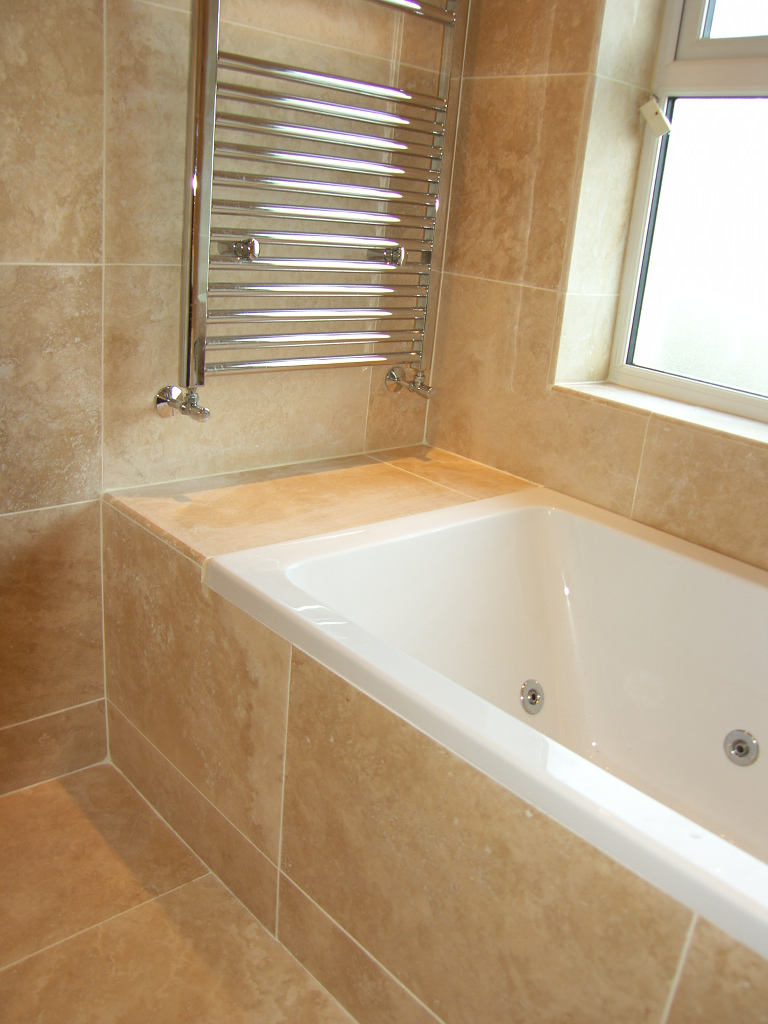 Ensuite With Feature Mirror